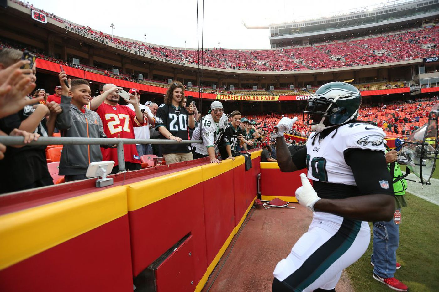 To put it Blountly, Eagles' lack of run game, overall O-line play lost the game