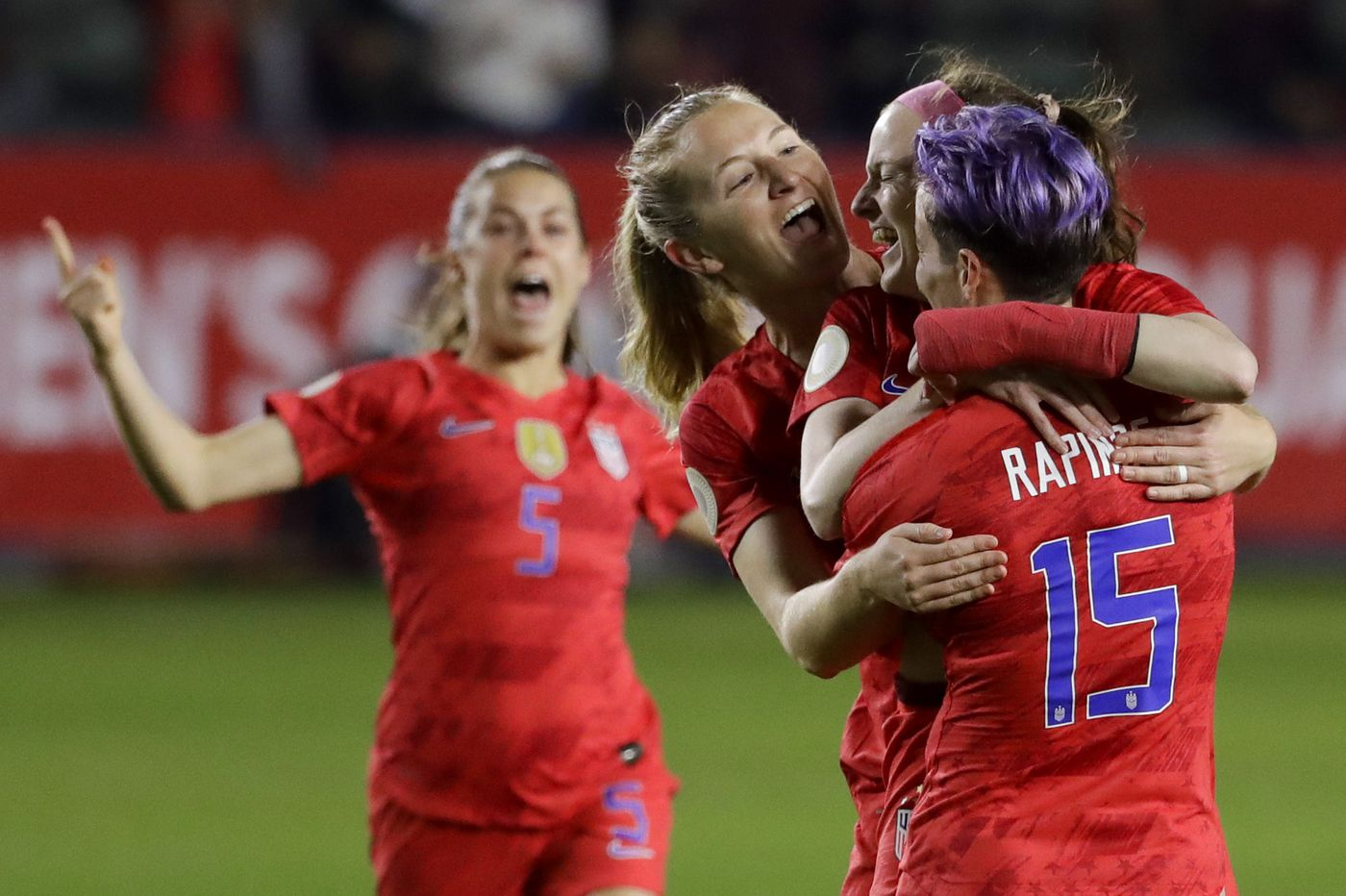 Rose Lavelle, Sam Mewis lead USWNT to Olympics with 4-0 win over Mexico