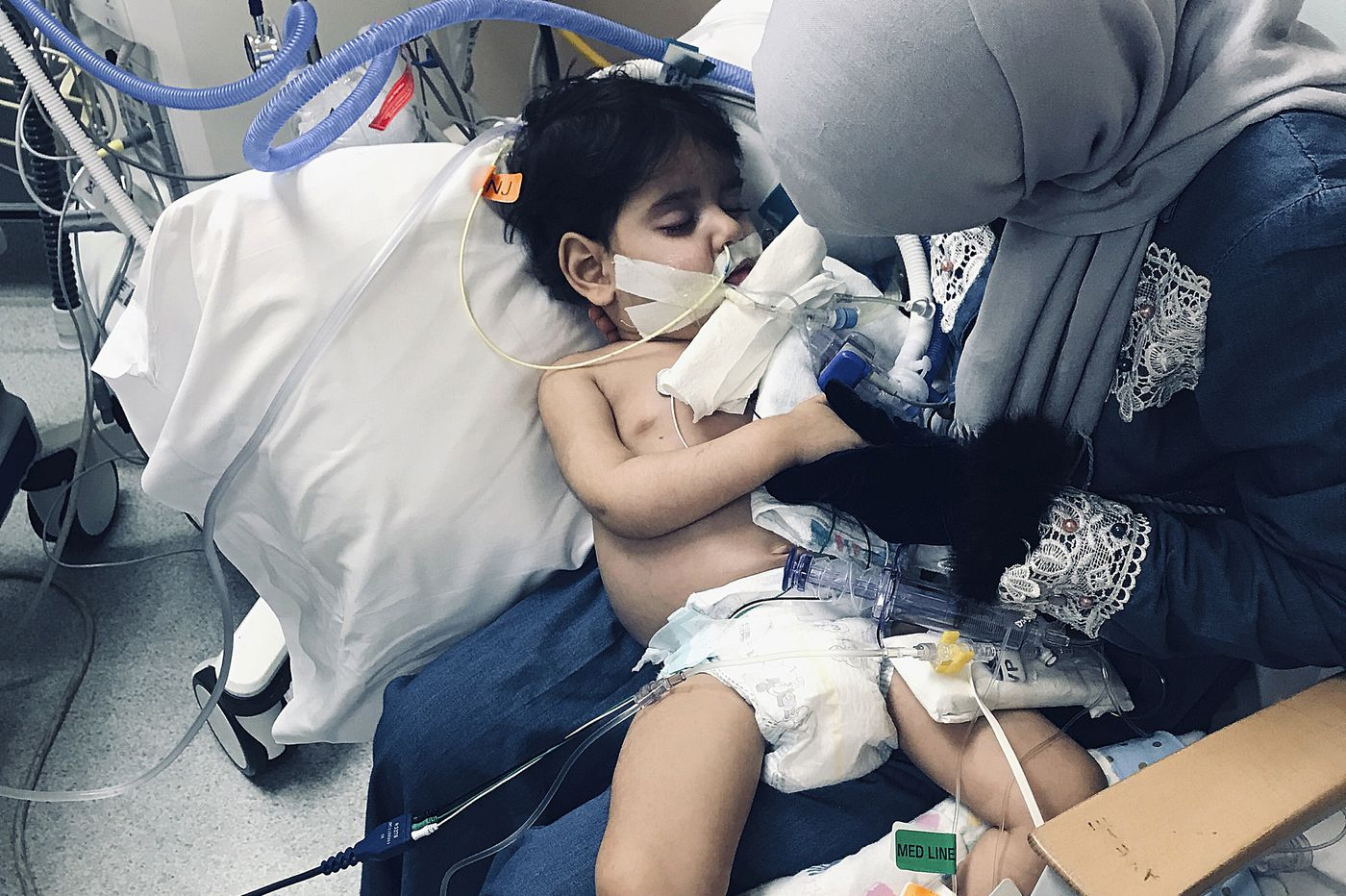Yemeni mom overcomes travel ban to finally hold dying son