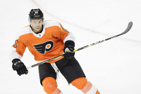 Flyers salvage a point but fall in shootout to Vancouver Canucks, 3-2