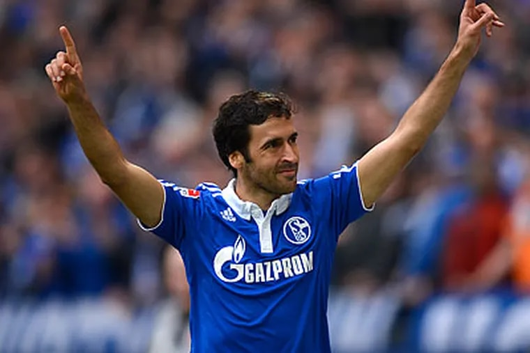Schalke striker Raúl holds the all-time Champions League record for goals scored with 71. (Martin Meissner/AP file photo)