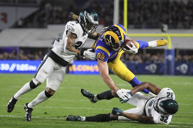Who saw this coming? Eagles pull off upset in Los Angeles, stay alive in playoff hunt. | Early Birds