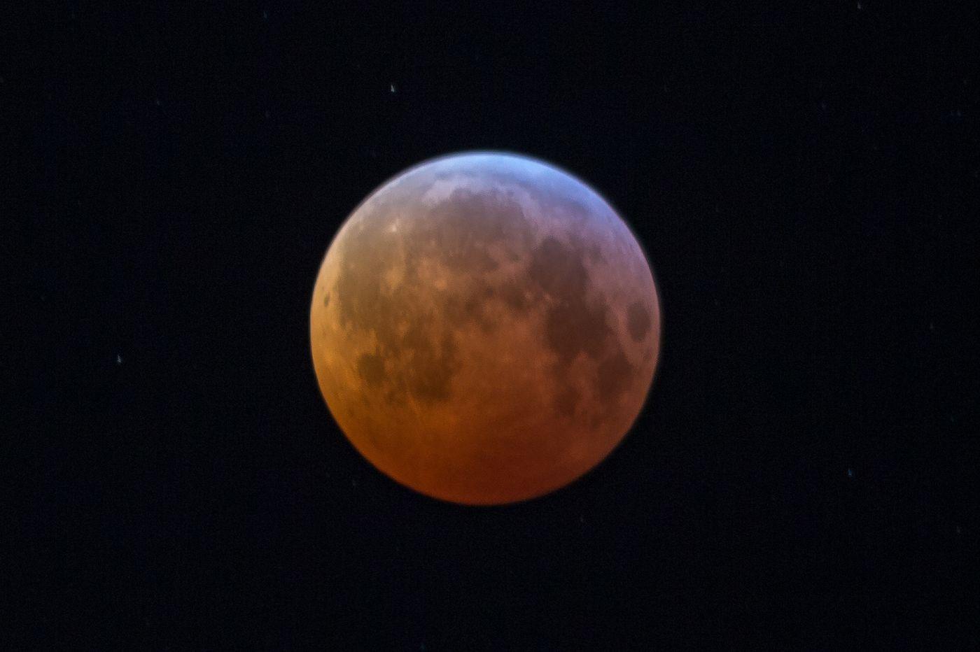 'Blood moon' lunar eclipse tonight