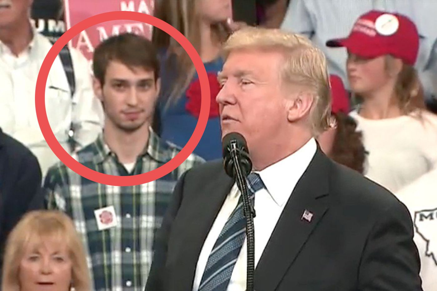Trump rally attendee appears to mock president during his speech. Minutes later he's replaced.
