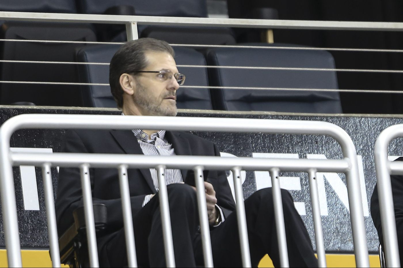 Former Flyers GM Ron Hextall hosts press conference, 11 a.m. | Live video