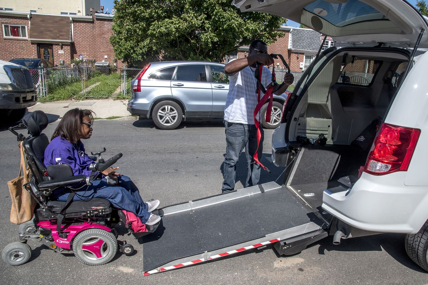 Uber adds wheelchair accessible rides in Philadelphia