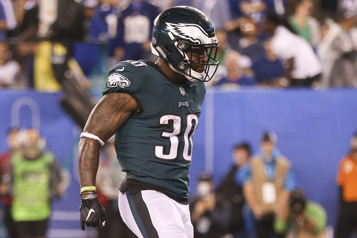 Eagles running backs Wendell Smallwood, Corey Clement give solid effort in win over Giants