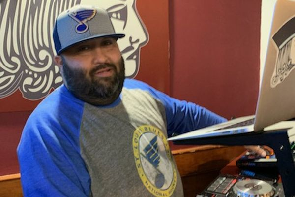 'Play Gloria': The South Philly guy who constantly plays the song for St. Louis Blues fans