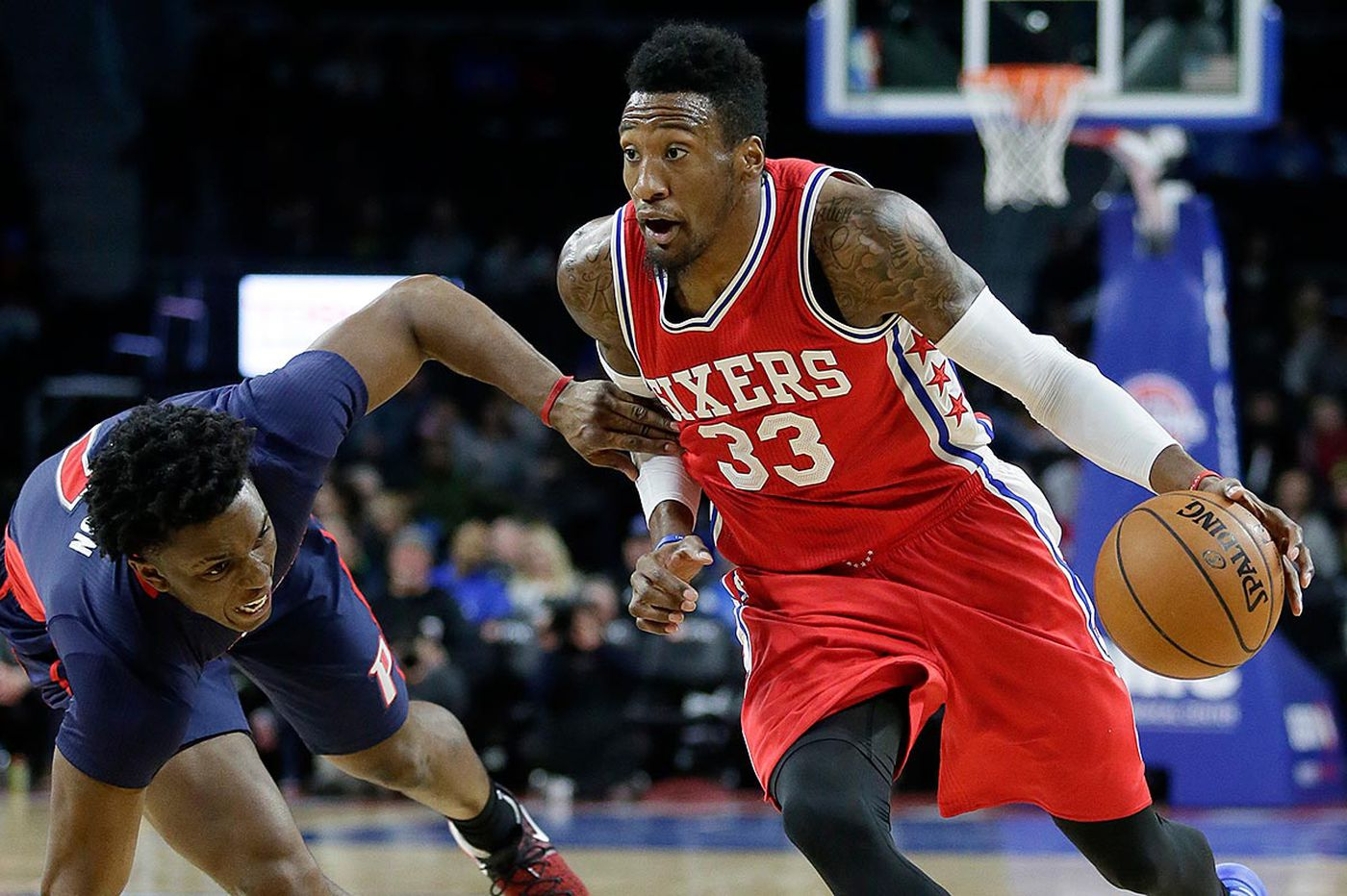Sixers' Noel hurts ankle in win over Pistons
