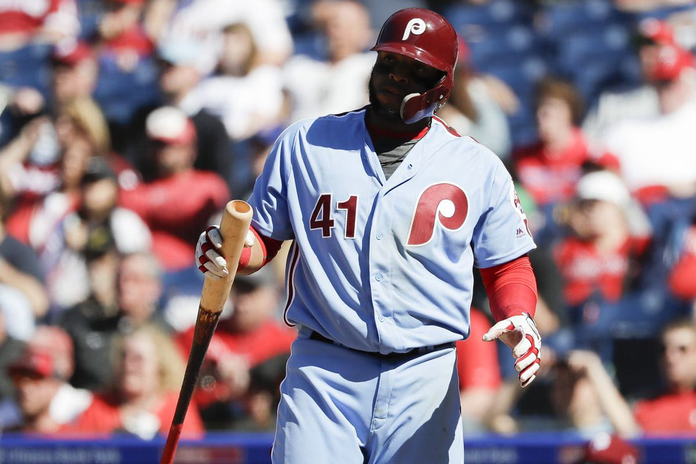 Phillies' Carlos Santana trying to break his funk like Aaron Altherr did