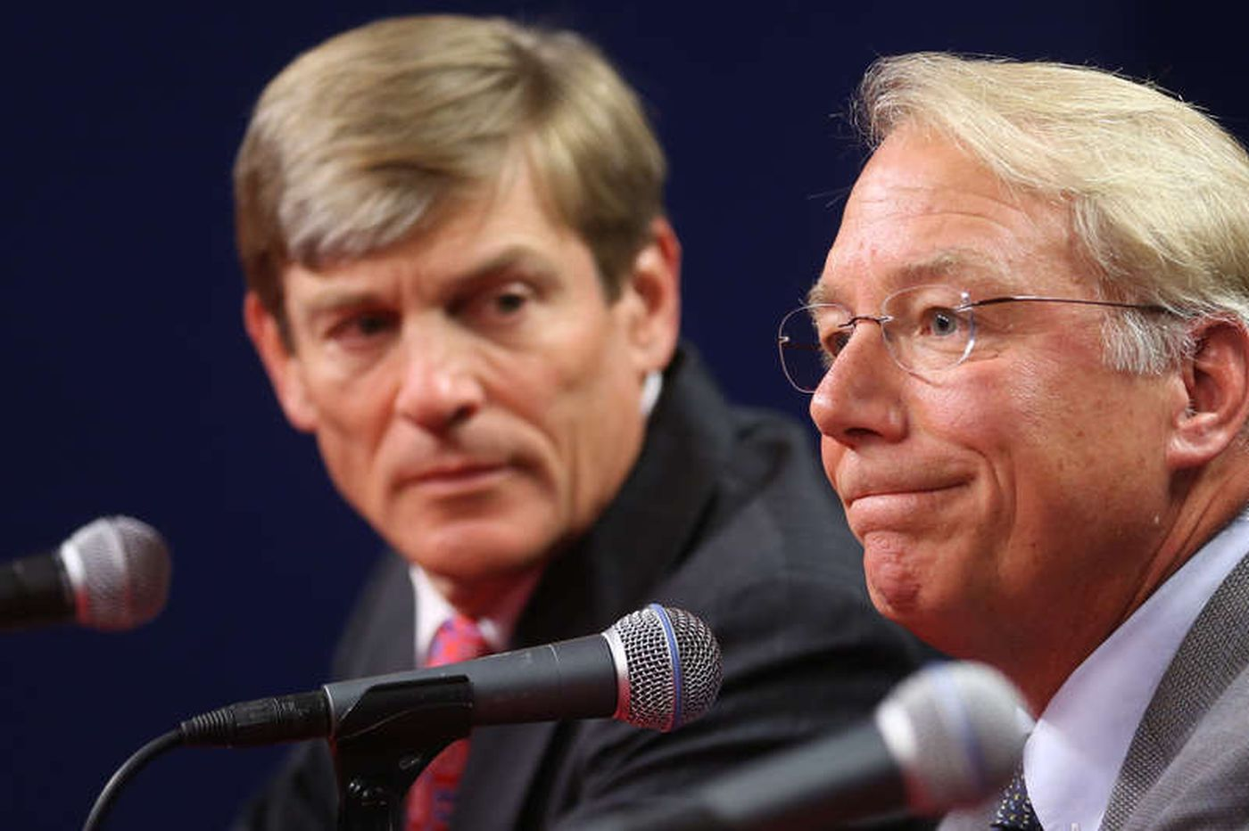 Andy MacPhail would step aside for Phillies to hire new team president. John Middleton must take him up on it. | Scott Lauber