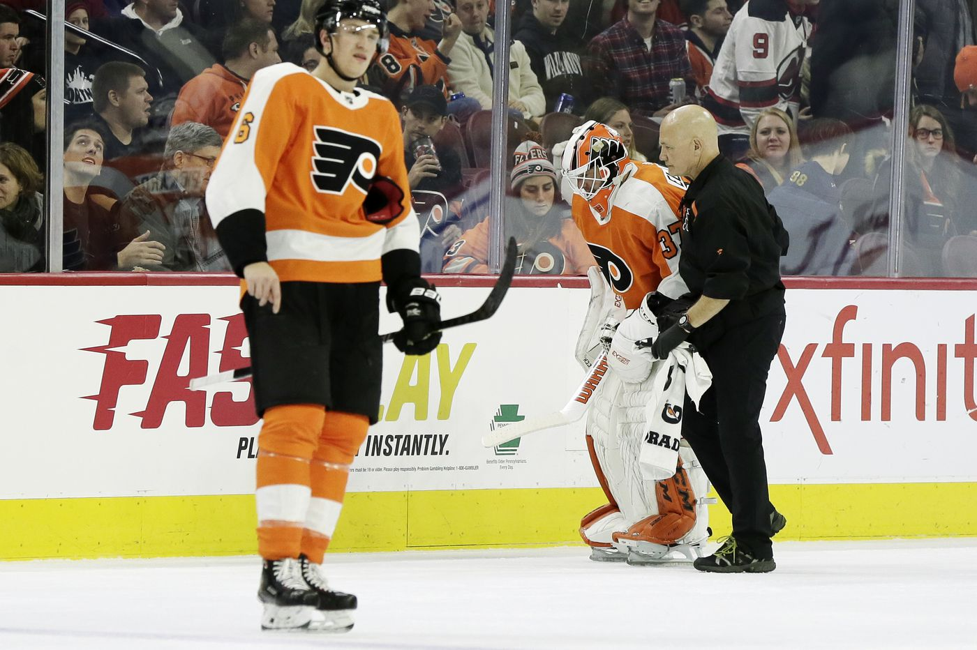 Flyers fall to Devils, lose Brian Elliott to injury