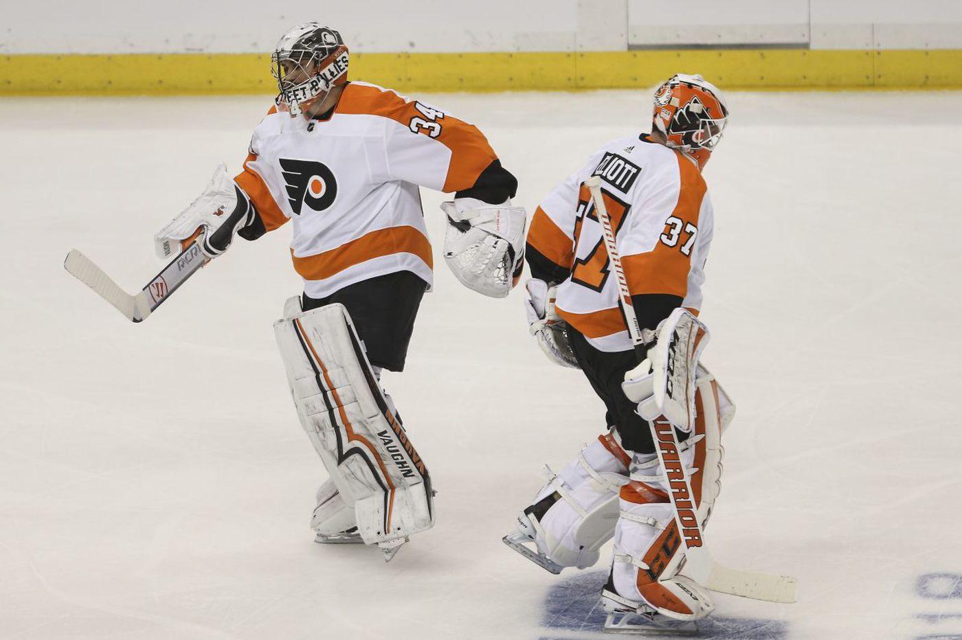 Despite Game 1 result, Flyers keep faith in Brian Elliott