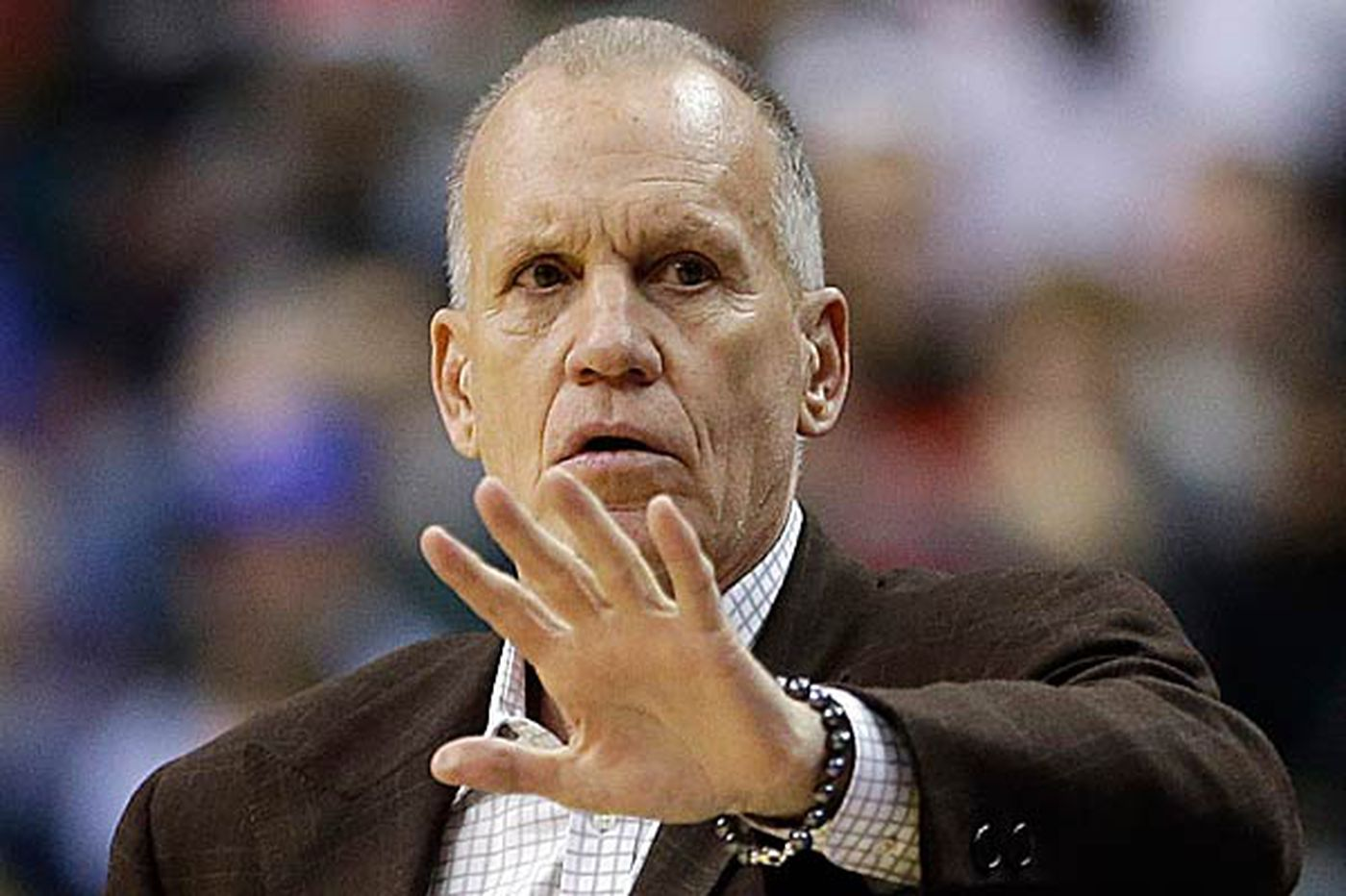 Sixers head coach Doug Collins makes time for players to get family time