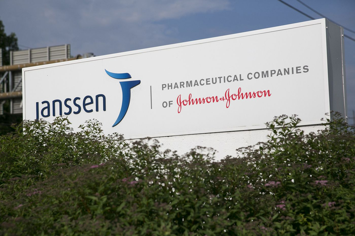 J&J says no legal reserves needed amid wave of lawsuits