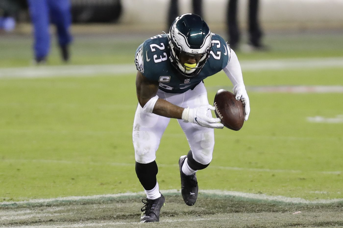 The Eagles' Rodney McLeod spent part of his bye week encouraging Philadelphians to vote in the election | Early Birds