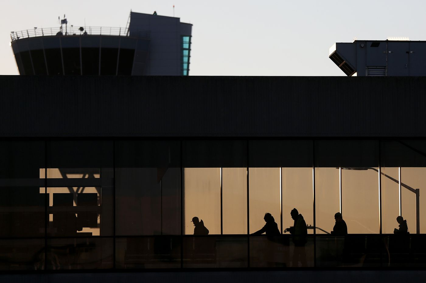 Customs computer outage leads to slowdown at Phila.'s airport, others across U.S.