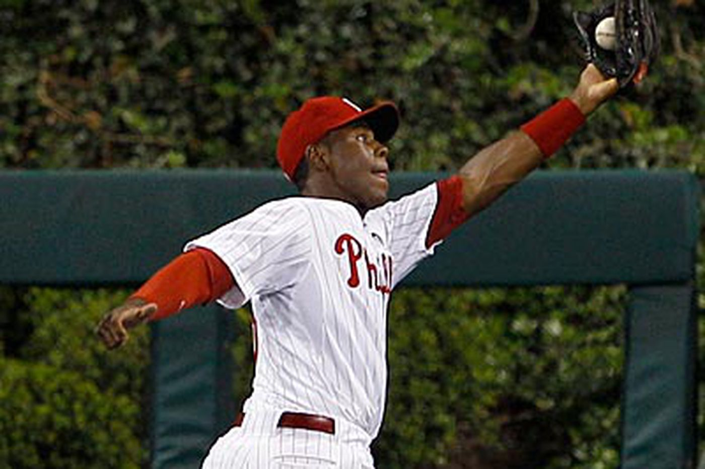 Phillies Notebook: Phillies send Mayberry back to minors for his own good