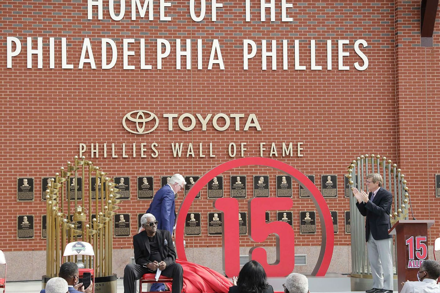 Honor Dick Allen with a statue in the Phillies' inner circle | Opinion