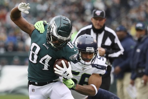 Eagles' shorthanded wide receiver group struggles to produce again