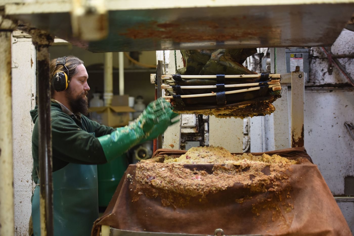 Montgomery County apple butter maker sticks with a century-old Pa