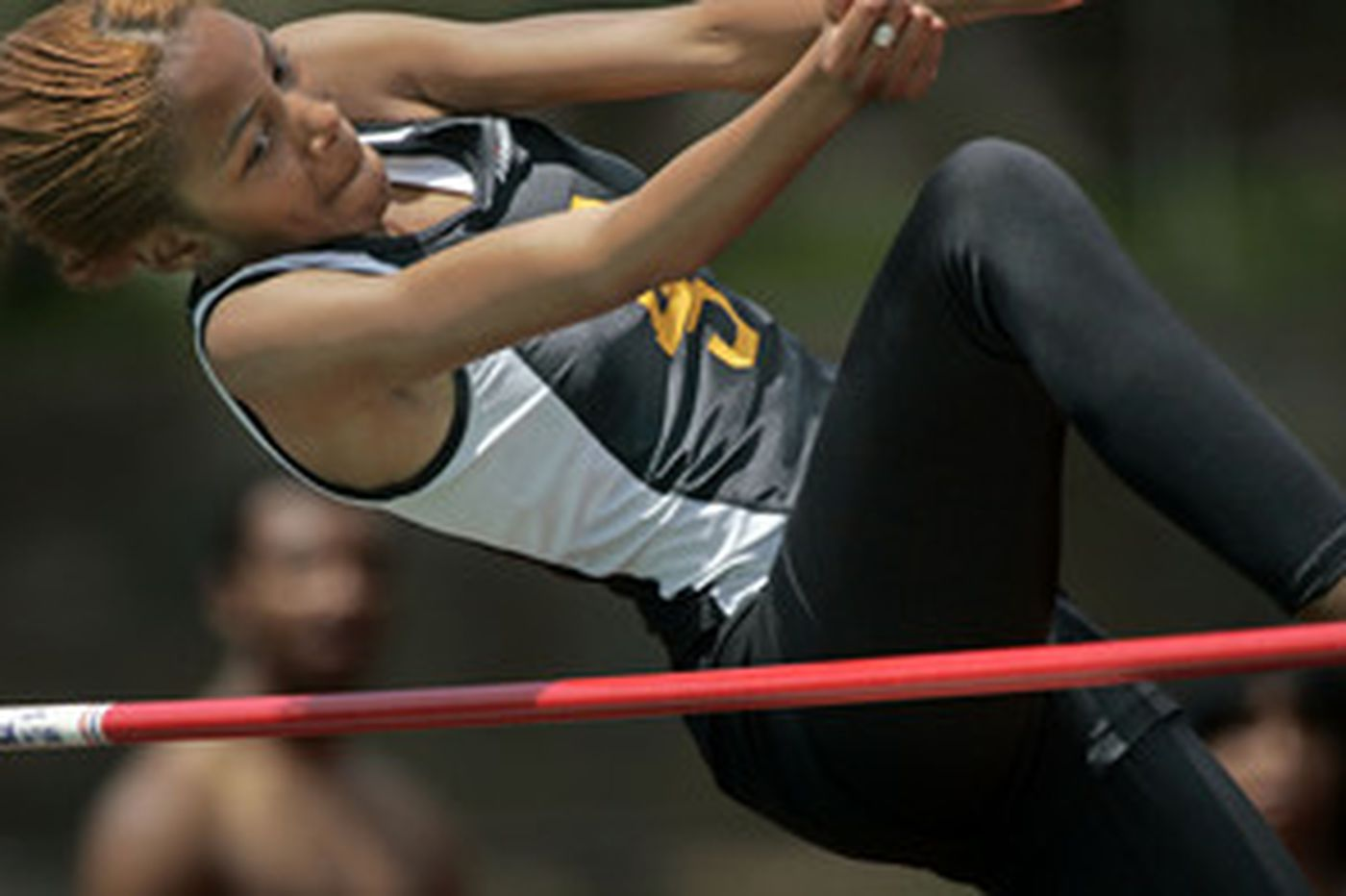 Gratz's Wells captures long jump, triple jump