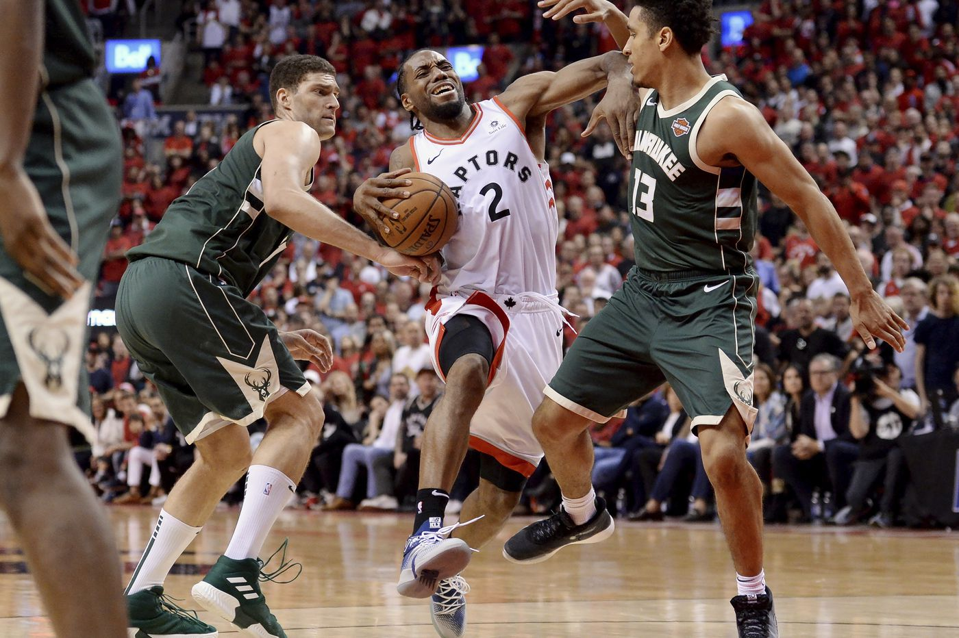 Sports betting: Grab a brew and stay at home Thursday with the Bucks