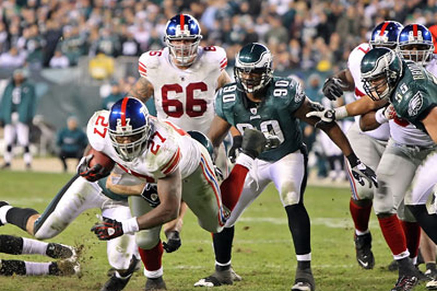 Rich Hofmann: Challenging night for Eagles as Giants rally around red flag