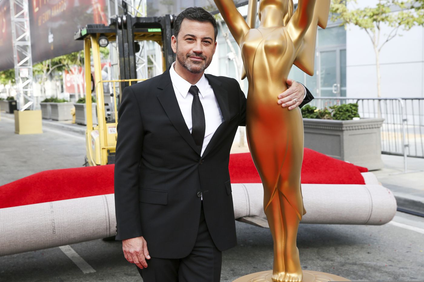 Jimmy Kimmel to host Emmys, first major awards show of pandemic