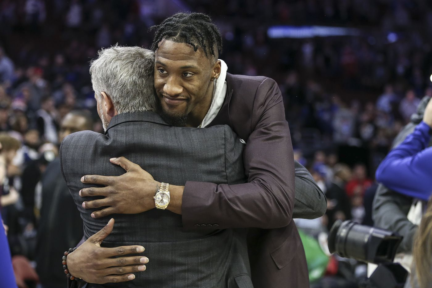 Former Sixer Robert Covington earns a nice welcome in his return to Philadelphia