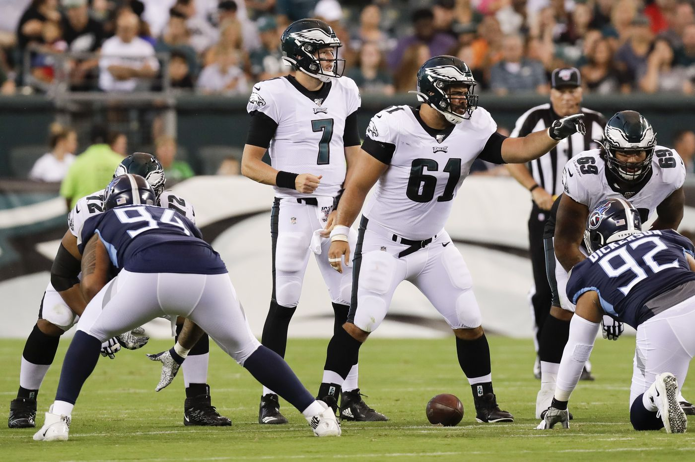 Eagles 53-man roster: Howie Roseman sticks with two tight ends, cuts Stefen Wisniewski -- for now