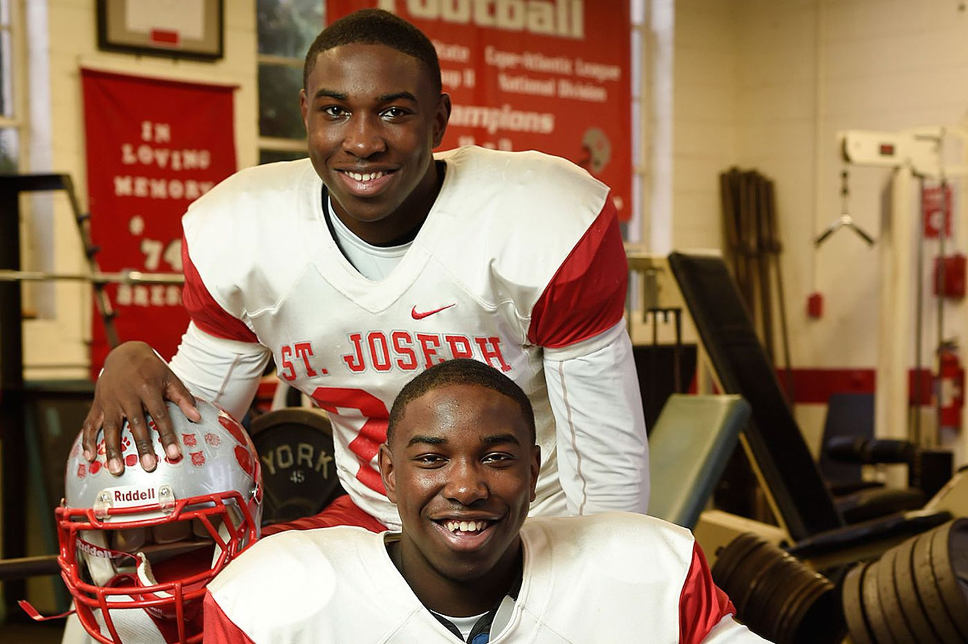 Horne twins, beset by injuries, look to finish on top