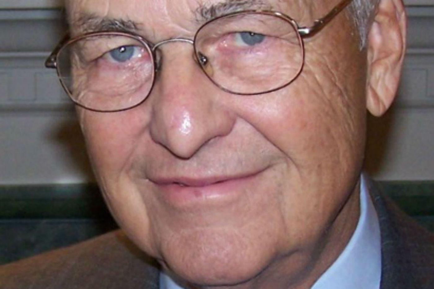 William E. Strasburg, 90, publisher of Montgomery Newspapers