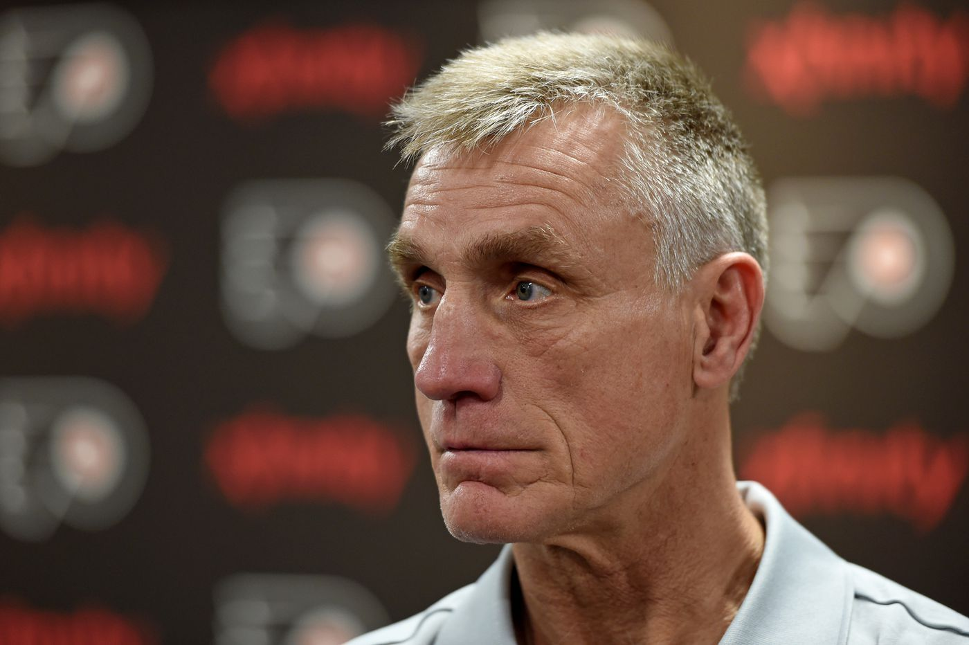 Flyers' Paul Holmgren and Dave Scott hold press conference on firing Ron Hextall – live video