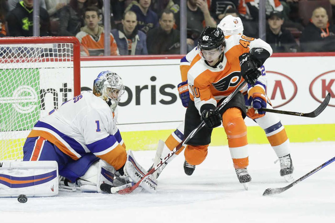 Flyers coach Dave Hakstol considering changes to boost production for Game 4 against Penguins