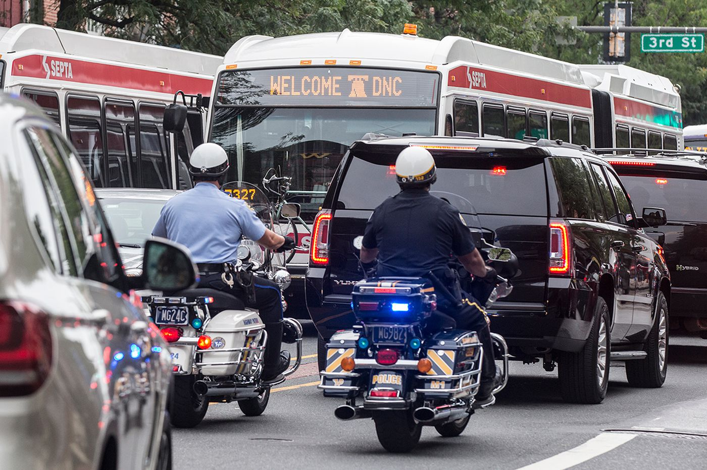 Traffic delays and detours mark travel on first day of DNC