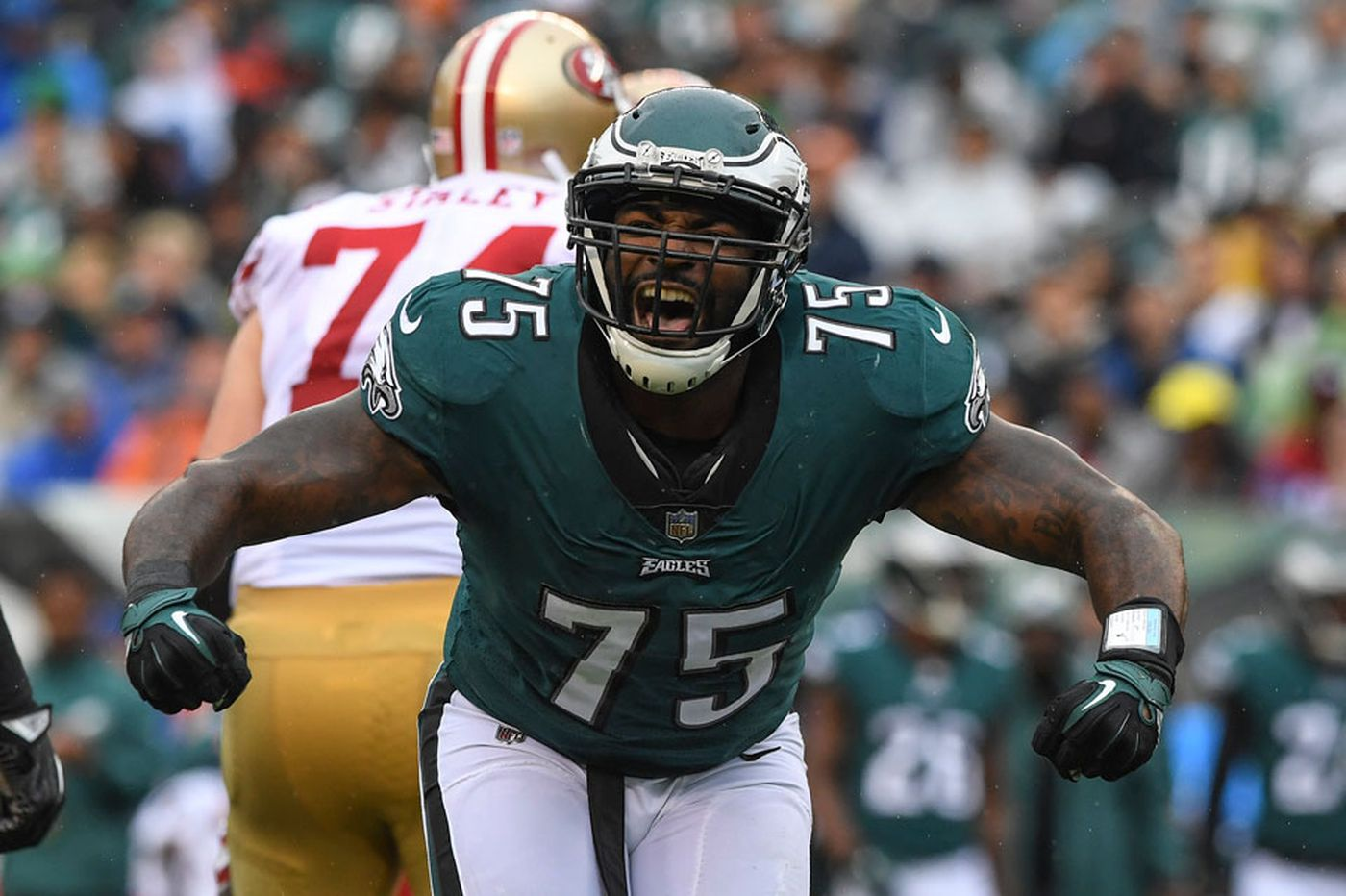Eagles nearing deal to bring back defensive end Vinny Curry