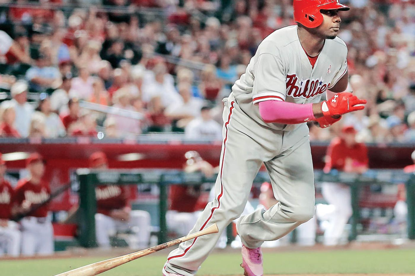 Phils' Howard answers critic with winning hit