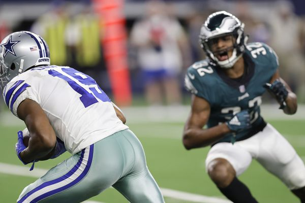 Ugly ending to an ugly loss to the Cowboys: Eagles' last chance bounces off Rasul Douglas' hands