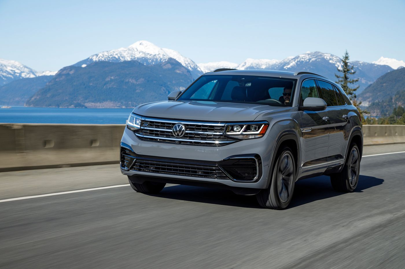 SUV test, part one: VW Atlas Cross Sport offers fun on the curves