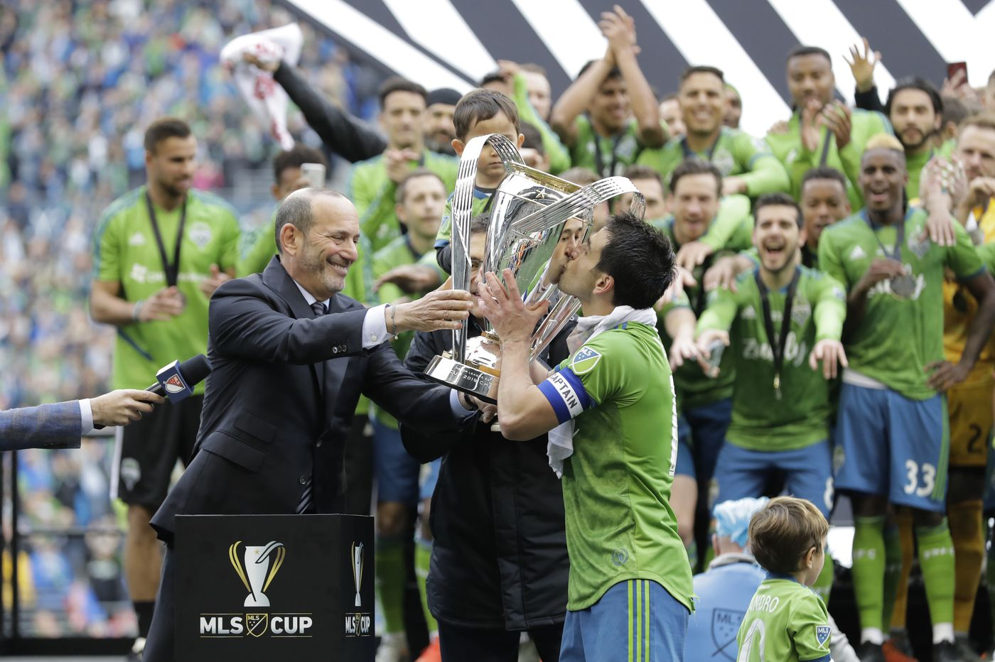 Seattle Sounders claim 2nd MLS title in 4 years, beating Toronto FC 3-1 in title game