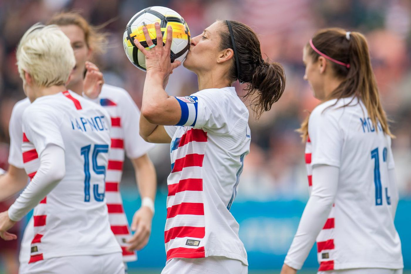 Carli Lloyd scores 100th goal for U.S. women's soccer team in 6-2 win over Mexico