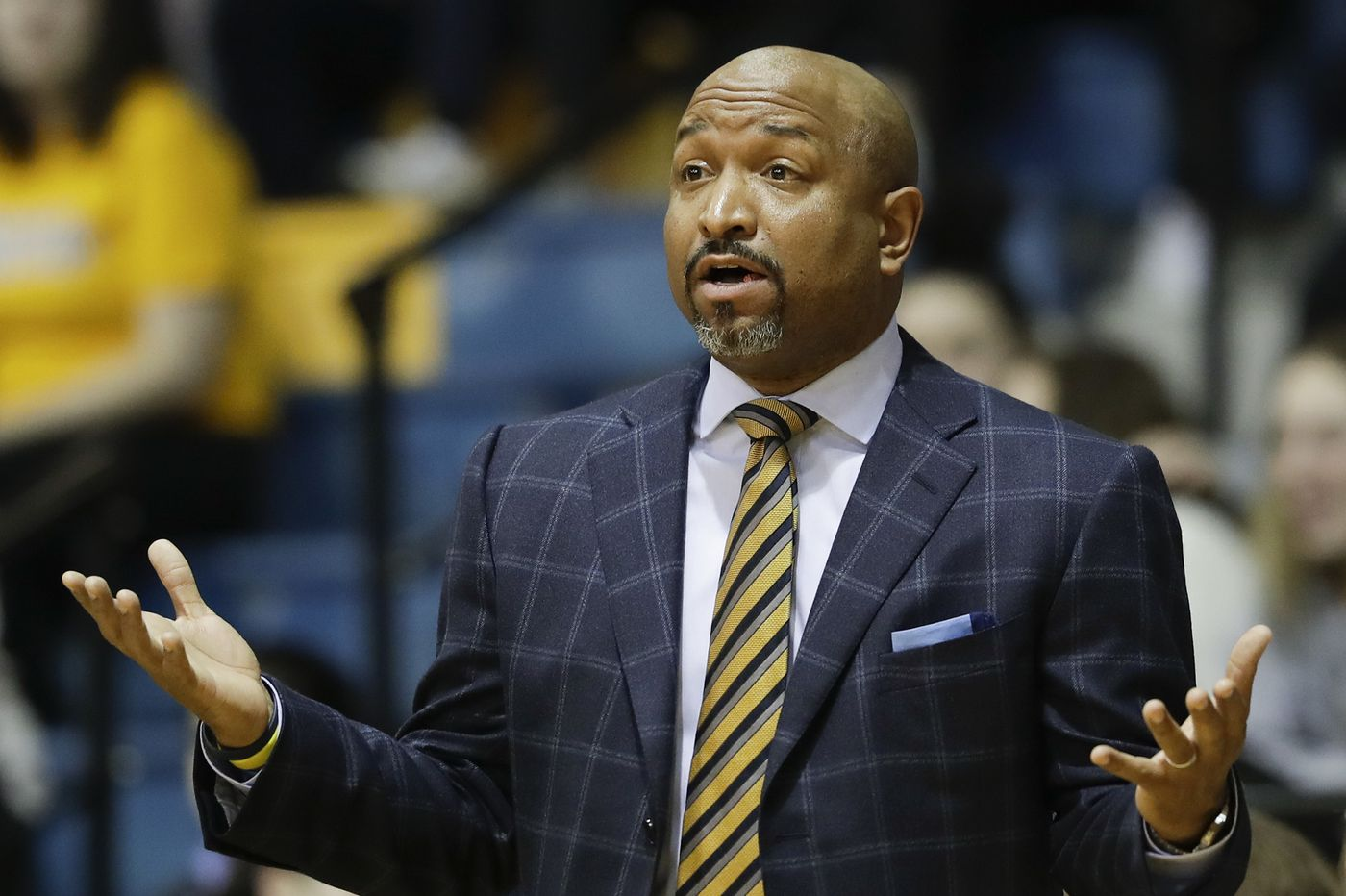 Atlantic 10 replacing handshakes with 'forearm bumps' for basketball tournaments