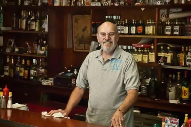 Robert Lucas, the owner of The Donkey's Place, died at 75 Friday following a fight with lung cancer, family members said.