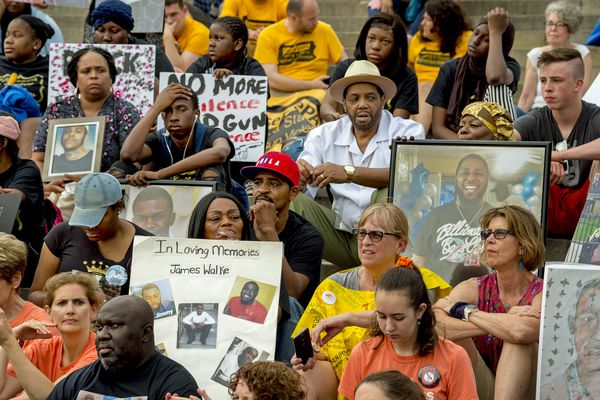 For fourth year in a row, Philadelphians Fill the Steps Against Gun Violence | Helen Ubiñas