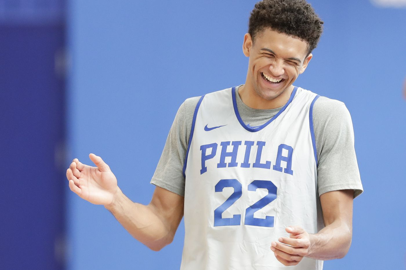Sixers sting Hornets, 100-87, in preseason mismatch