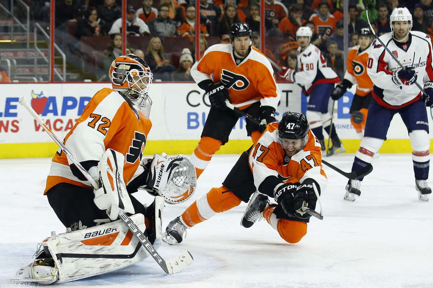 Flyers parting ways with defenseman Andrew MacDonald