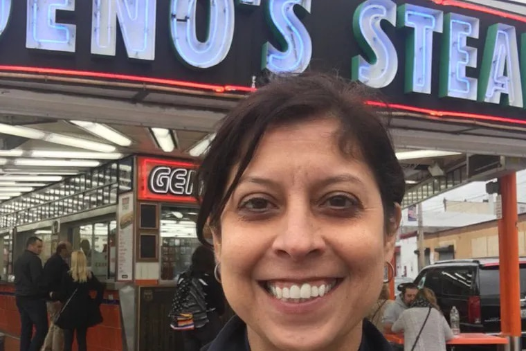 Helen Ubiñas went to Geno's and ordered in Spanish.