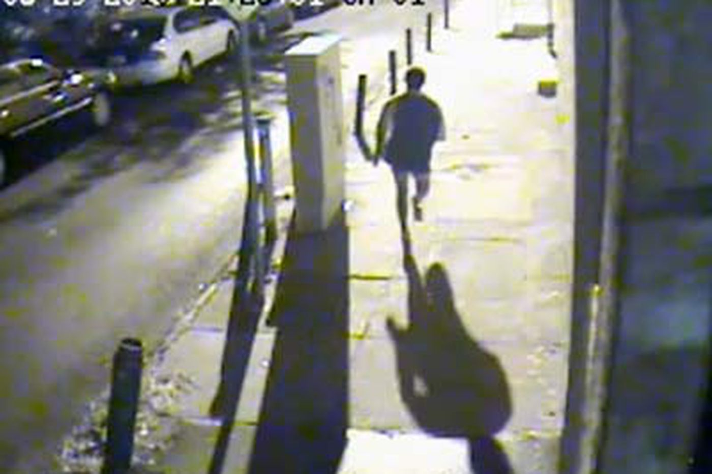 Man flees interrupted Phila. assault without pants