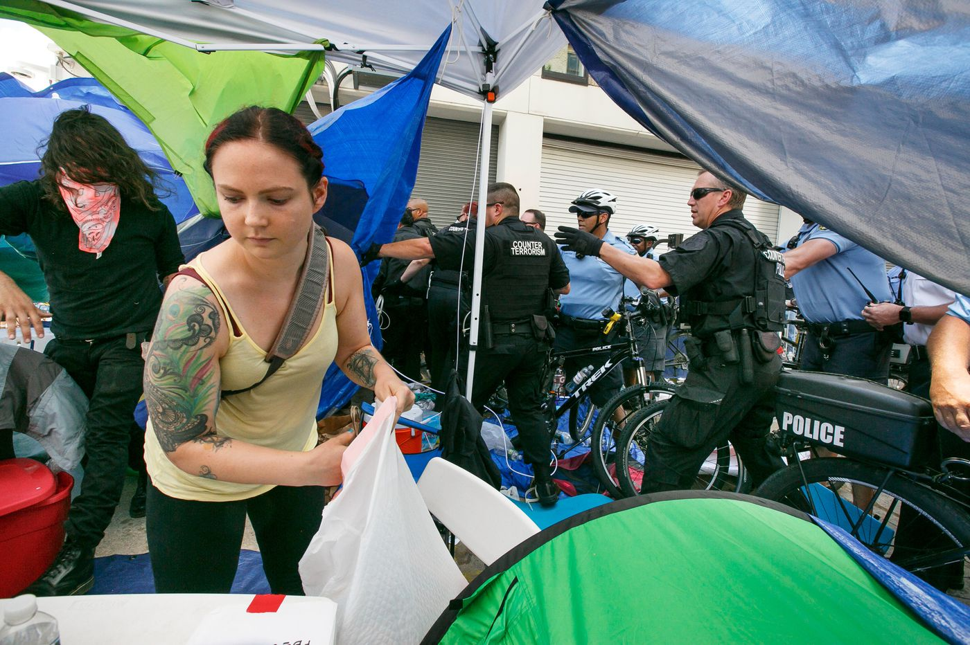 Watch: Here's what we witnessedin the tense 15 minutes before Philadelphia police raided theOccupy ICE camp
